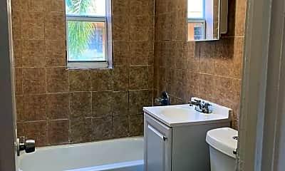 Bathroom, 458 NW 7th St, 2