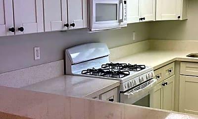 Kitchen, 68711 Cedar Rd, 2