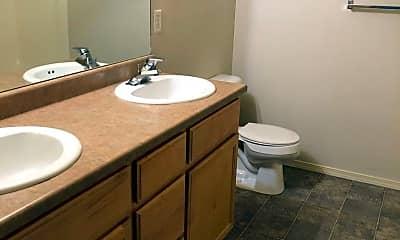 Bathroom, 916 Shirley Pl, 2