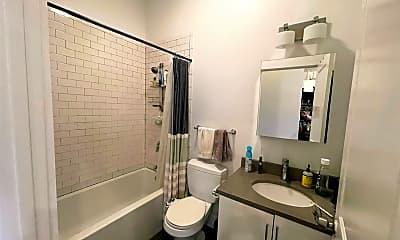 Bathroom, 376 Windsor St, 2