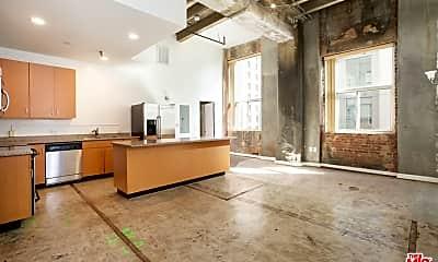 Living Room, 711 S Olive St 501, 1