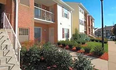Building, Madison Ridge Apartments, 0