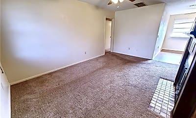 Living Room, 13917 N Everest Ave, 1