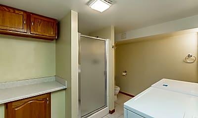 Bathroom, 1815 Cody St, 2