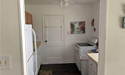 Bathroom, 1810 Chadwick Rd, 1