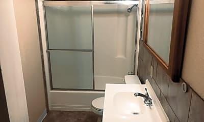 Bathroom, 416 E K St, 2