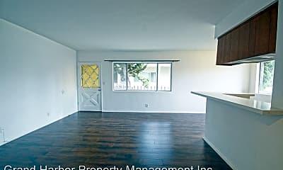 Living Room, 2405 Ruhland Ave, 2