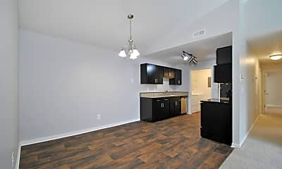 Beacon Lake Apartments, 1