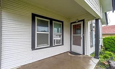 Patio / Deck, 104 E Rd, 1