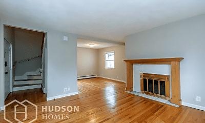 Living Room, 9 Winnepurkit Ave, 1