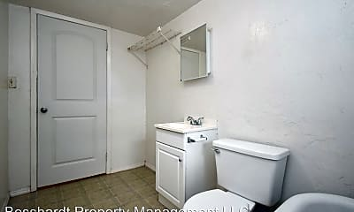 Bathroom, 103 NW 10th St, 2