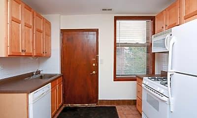 Kitchen, 149 W Kinzie St, 1
