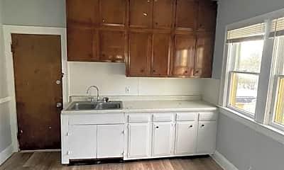 Kitchen, 3548 E 133rd St, 1