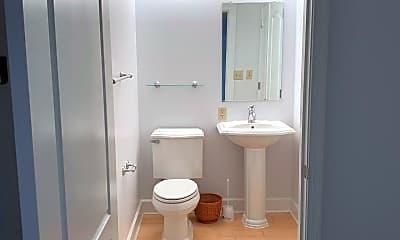 Bathroom, 502 W Broad St 305, 2