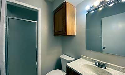 Bathroom, 1445 Weiler Blvd 1421, 2