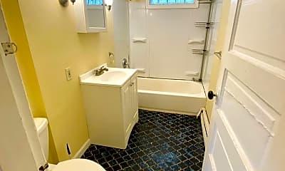Bathroom, 200 Fairmont Ave, 2
