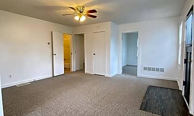 Living Room, 126 N Main St, 1