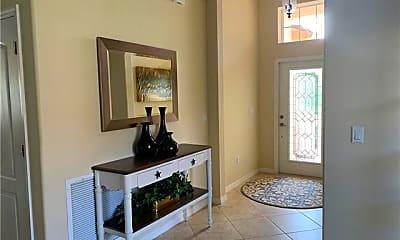 Living Room, 8088 Piedmont Dr, 2