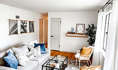 Living Room, 9209 Eddie And Park Rd, 1
