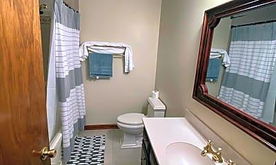 Bathroom, 1709 Fanwood St, 2
