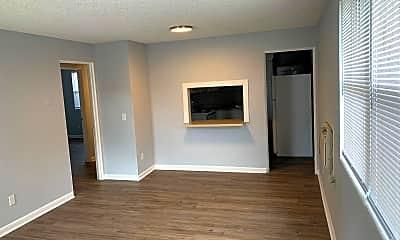 Living Room, 1110 Caliente Dr, 1