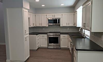 Kitchen, 725 E Moss Creek Ln, 1