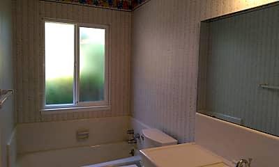 Bathroom, 2943 Fine Ave, 2