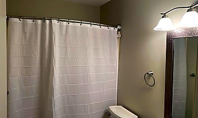 Bathroom, 3724 W 4th St, 2