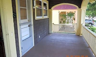 Patio / Deck, 125 Victoria Pl, 1