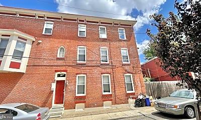 Building, 2528 Poplar St, 1