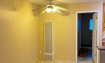 Bedroom, 545 N California St, 1
