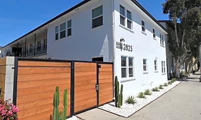 Building, 2823 E 7th St, 1