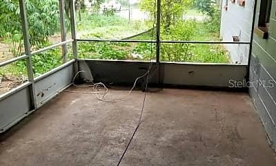 Patio / Deck, 904 S 16th St, 2