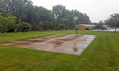 Ranchview Gardens, 2