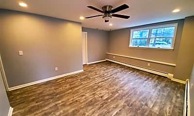 Living Room, 425 Plainfield Ave 4, 0