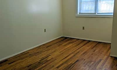 Bedroom, 1112 E 212th St 1, 2
