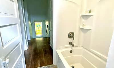 Bathroom, 548 Teece Ave, 2