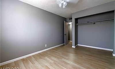Bedroom, 833 N Bruce St 4, 2