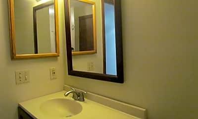 Bathroom, 32 Plaza Village Rd A, 2