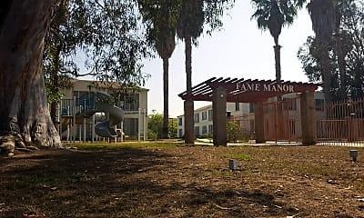 FAME Manor, 1