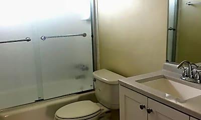 Bathroom, 725 N Kenwood St, 2