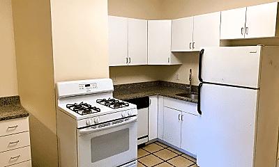 Kitchen, 694 Green St, 2