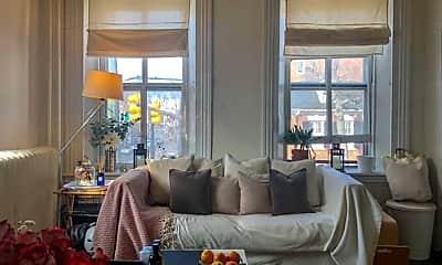 Living Room, 818 Prince St, 1