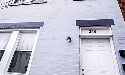 Building, 304 Miltenberger St, 2