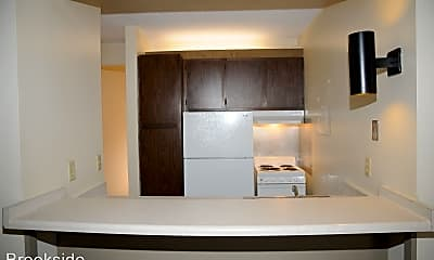 Kitchen, 1040 Patrick Ct, 1