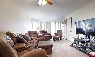 Living Room, Oaks Whitney Pines, 1