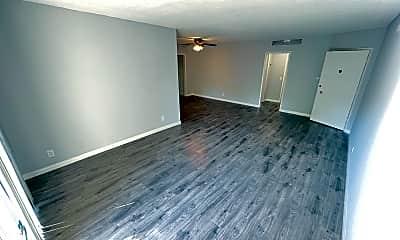 Living Room, 8221 De Longpre Ave, 1