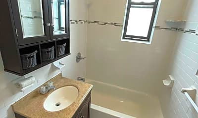 Bathroom, 930 Avenue C, 2