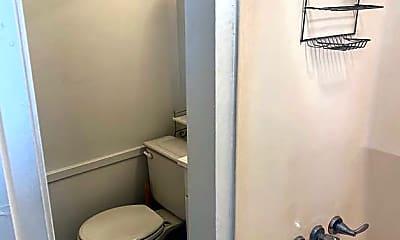 Bathroom, 216 S Jewell St, 2