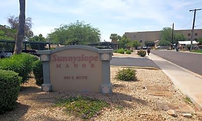 Sunnyslope Manor, 1